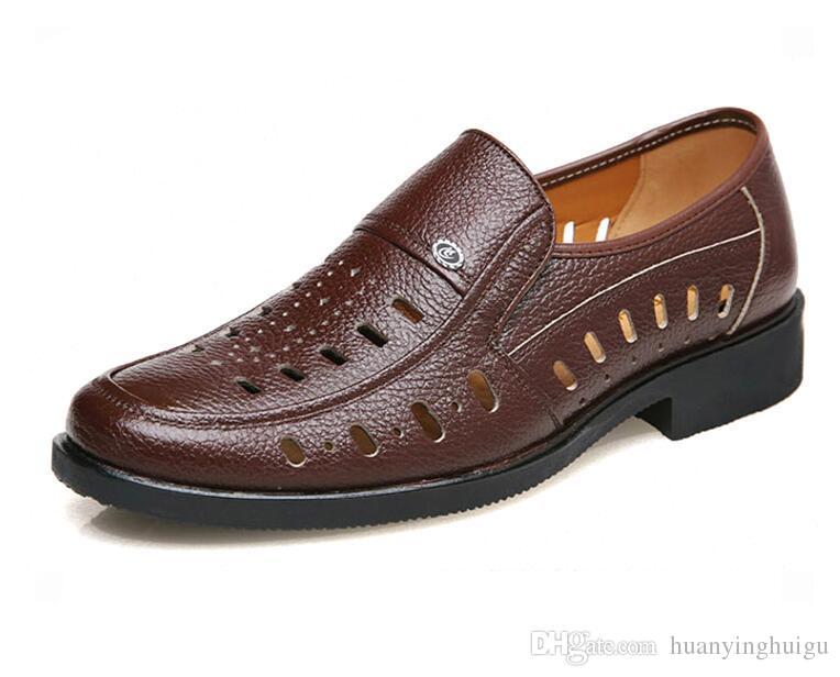 الصنادل الجلدية للرجال الصنادل تنفس في الصيف رجل الجوف خارج لكمة بارد الأحذية الجلدية ثقب حفرة الأحذية العريس اللباس أحذية