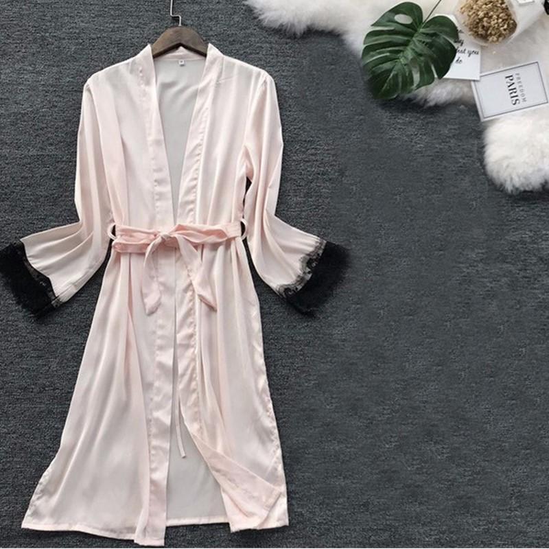 Ropa de dormir de las mujeres Sexy tamaño grande Satén Noche Robe de baño Albornoz Perfecto Novia Dama de honor Robas Vestido para mujeres Seda