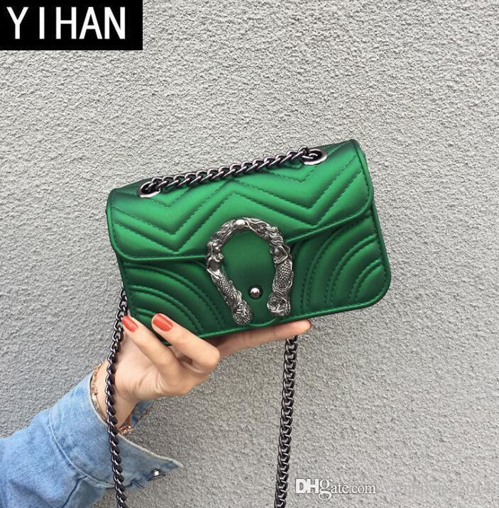 Фабрика самостоятельно принадлежит бренд женские сумки летом матовое женское желе цепи сумка небольшой ароматный ветер мода пвх сумка волнистая сумка