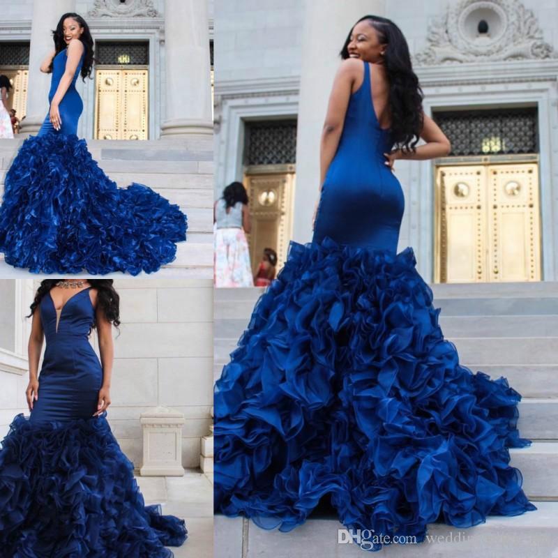 Bescheidene Rüschen Meerjungfrau Abendkleider Royal Blue Tiers Plus Größe V-Ausschnitt Vestidos De Festa Partykleid Abschlussball Formelle Pageant Celebrity Kleider
