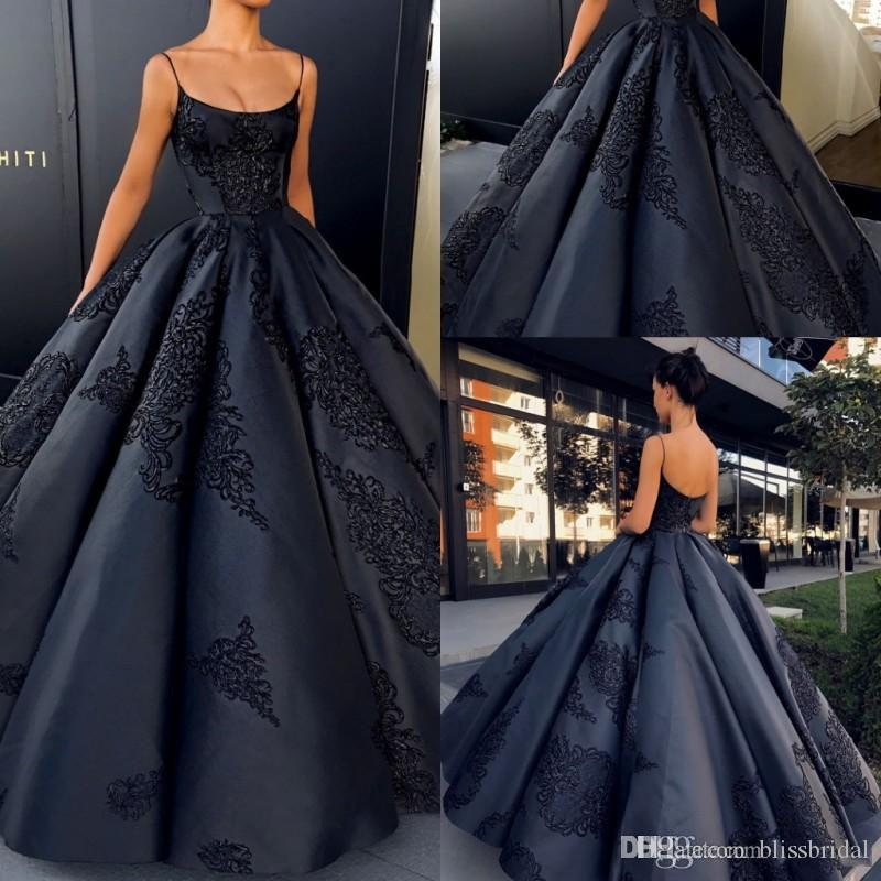 2018 Spaghetti Backless Evening Dresses Ball Gown Lace Appliques Sexy Prom Dress Long Satin Formal Black Gowns