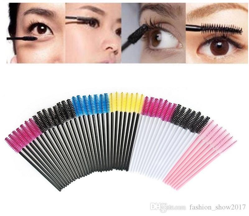 Outil de maquillage 50 Pcs de cils jetables Maquillage Pinceaux Cosmetic Mascara Brush Wands Applicator pour cadeaux de dame