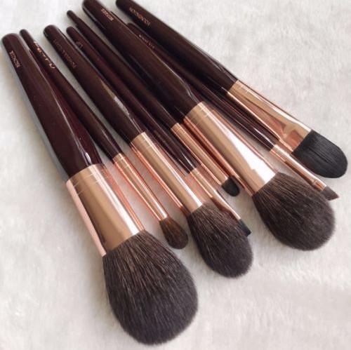 Dropship 8 PCs Foundation/Brusher/Eyeshadow Makeup Brush Set for Charlotte T Luxury Powder & Sculpt Beauty Brushes New/Full Size In Box