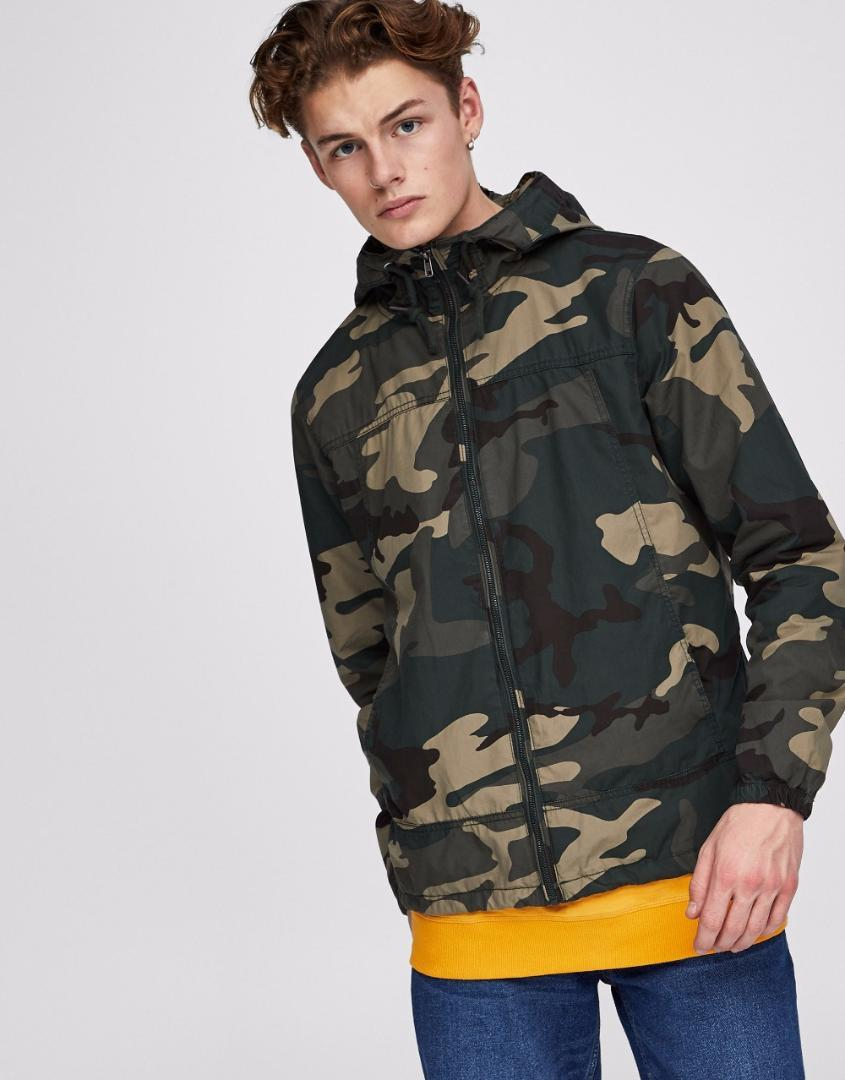 cf9c0a69818 Withered man 2017 bomber jacket plus size european style young people  camouflage color hooded outdoors Anorak jacket man coat