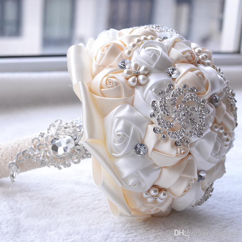 حرير الزفاف باقات الزفاف مع الزهور اليدوية الفاخرة peals كريستال حجر الراين روز لوازم الزفاف العروس عقد بروش bouquetcpa1547
