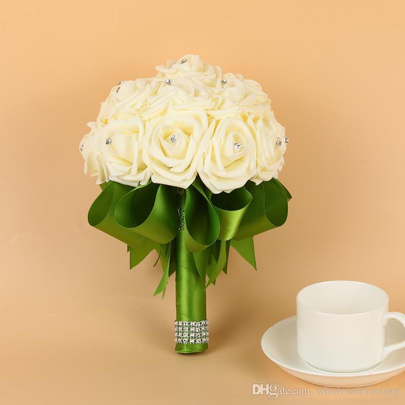 Barato Rose Espuma Boda Bouquets nupciales Hecho a mano Flores artificiales Rose Suministros de boda Novia Holding Flowers Broche Ramo CPA1564