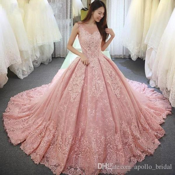 2020 Luxo Rosa Quinceanera Vestidos de baile Sheer Neck Lace Applique Sweet 16 Vestidos Varrer Train Prom Party Vestidos