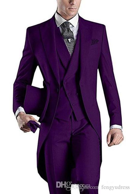 2018 fengyudress Personalizado Branco Tailcoat Homens Ternos de Três Peças Um Botão Ternos de Casamento para Homens (Jacket + Calça + Colete) Brasão Calça Imagens de Design