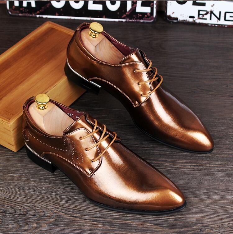 2018 Nuovi uomini di stile Business Dress Scarpe in pelle italiano lace-up Moda Mocassino Glitter Formali Oxfords maschili Scarpe scarpe a punta S24