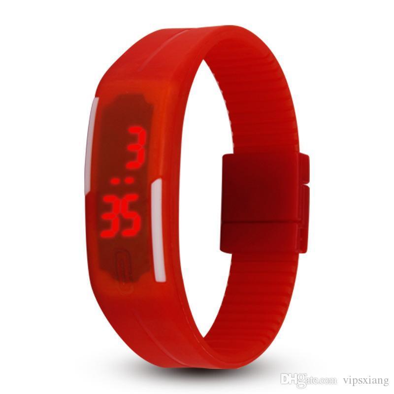 2018 NOVA moda doce cor relógio 14 cores relógio de geléia de Silicone Unisex Esportes LED relógios dos homens das Crianças das Crianças Toque Digital de Pulso
