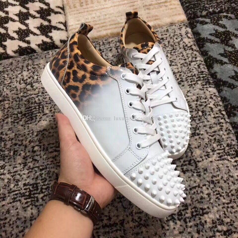 Toujours populaire! Nouveau cuir verni léopard à bas sommet parfait avec des chaussures à crampons, chaussures pour hommes, bas rouges