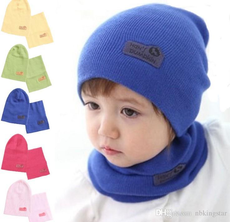 Fije el anillo de la bufanda y el gorro de punto Beanie para el bebé del color del caramelo del niño del ganchillo sombreros + bufanda 2pcs / Set