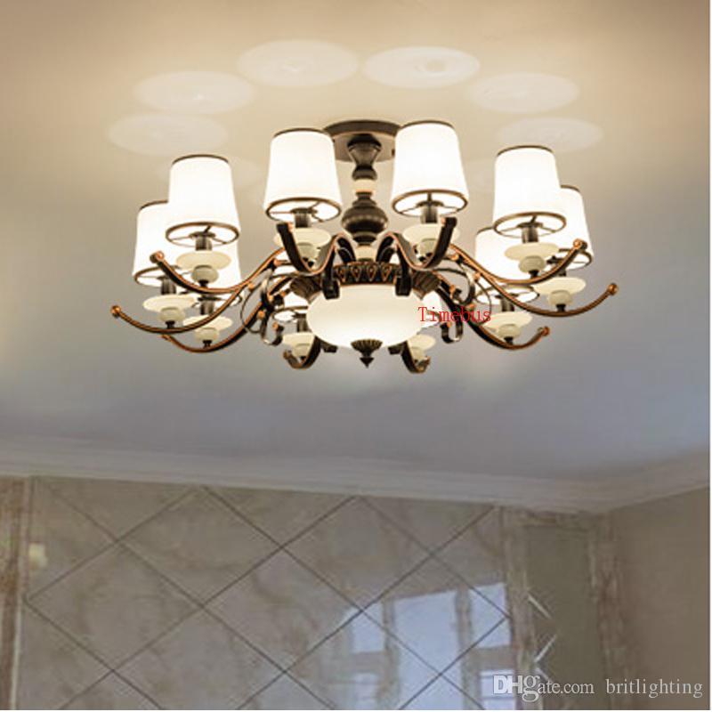 Модель простой гостиной Потолочный светильник европейского железа искусства нефрита стекло лампа ретро ресторан спальне свет кафе потолочный светильник