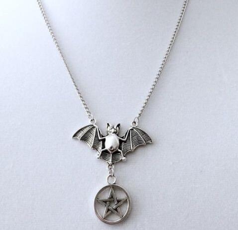 Pentagramme gothique chauves-souris collier pendentif Vintage argent Dangle déclaration punk tour de cou collier femmes bijoux accessoires NOUVEAU Halloween cadeaux