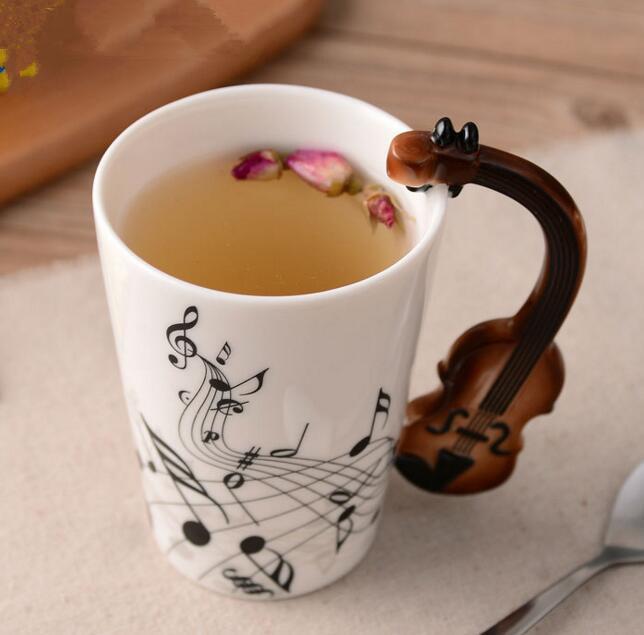 Música creativa Estilo de violín Guitarra Taza de cerámica Café Té Té Tazas de madera con asa Taza de café Regalos de la novedad
