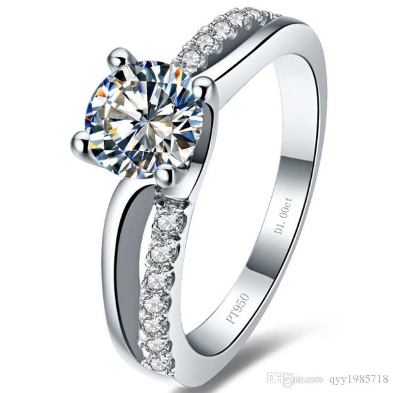 도매 0.6CT 4 프롱 약혼 반지 여성을위한 SONA 합성 다이아몬드 마이크로 포장 된 925 스털링 실버 결혼식 고급 보석