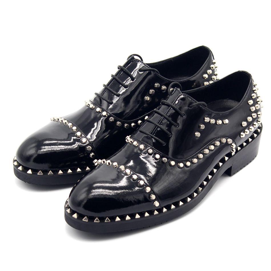 Fashion Hot Clássico Vaca Couro Artesanal Rebites T Stage Party Oxfords Macho Vestido Sapato Estilo Britânico Estilo Formal Business Shoes