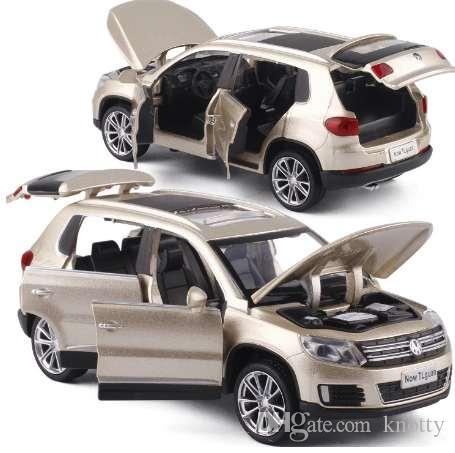 Высокая имитация 1:32 Tiguan SUV Alloy Pull Back Модель Игрушечного Автомобиля Музыкальный Мигающий Шесть Открытых Дверей Литья Под Давлением Металла Для Детей Игрушки