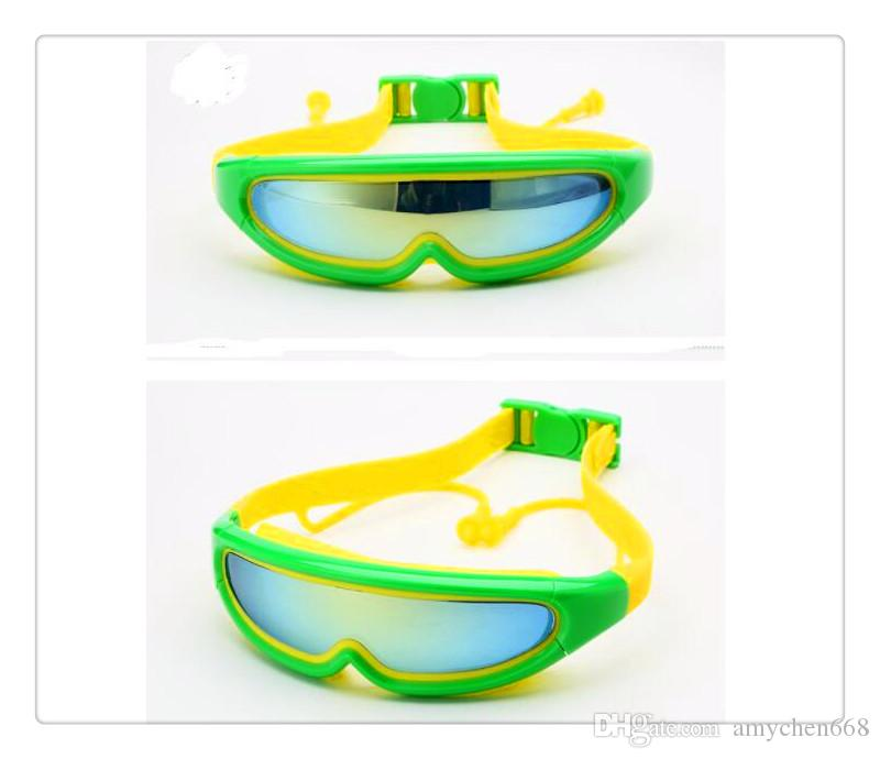 Free Silicone Kids Protection Swim Goggles Anti-fog Lights Lens Child Swimming Goggles with Conjoined Earplugs Pool oculos de grau