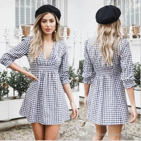 Plaidkleid der 2018 Herbst-Frauen tiefer V-Ausschnitt dünne Taille gefaltetes beiläufiges Kleid Damen-weibliche Kleider C3565