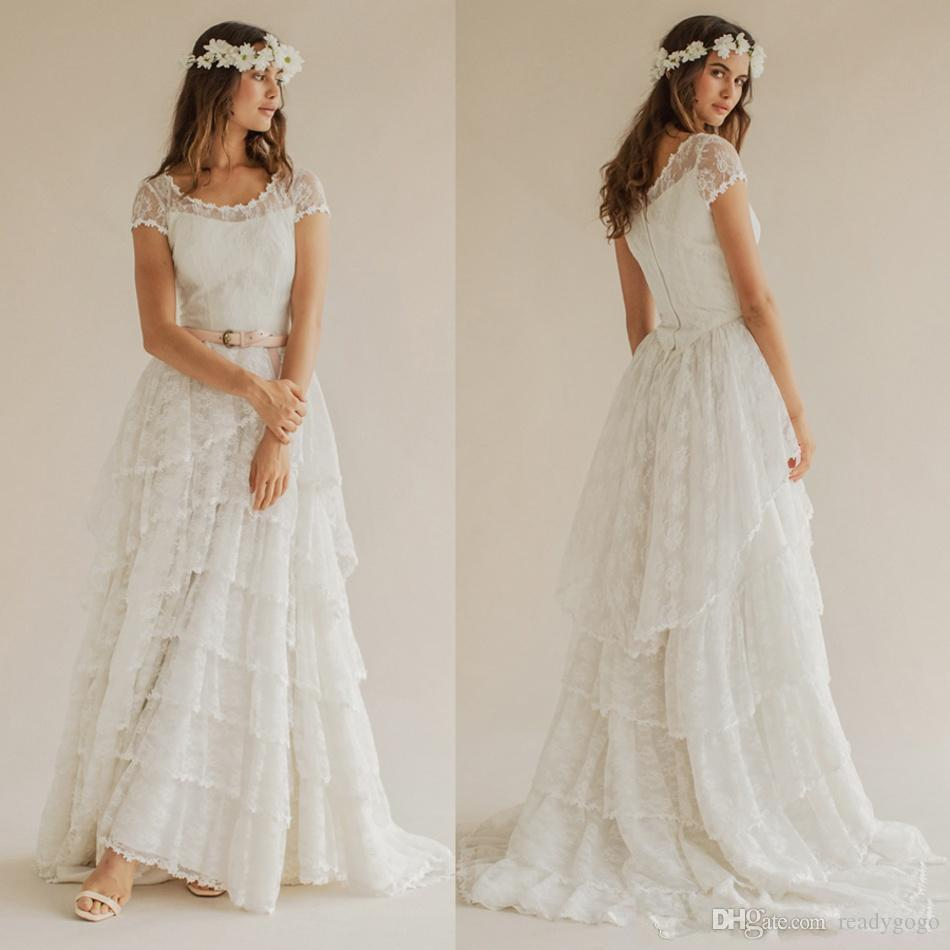 Vintage Bohemian Wedding Dresses with Tiered Skirt 2019 Modest Full Back Luxury Lace Fairy Country Garden Boho Bridal Wedding Gown