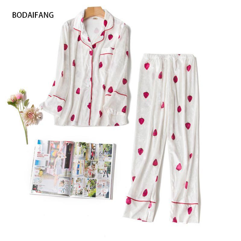 BODAIFANG Autumn and Winter Women Pyjamas Sets Thin Warm velvet Suit Long sleeve Female Strawberry Cute Soft Sleepwear Pajamas