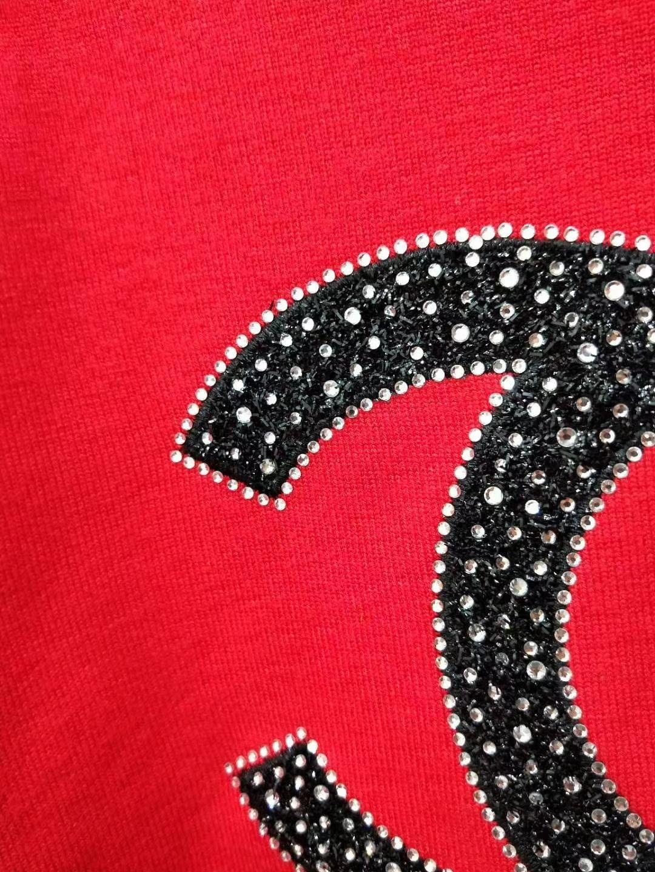 Großhandel Milan Runway Pullover 2018 Schwarz Rot Langarm Rundhalsausschnitt Damen Pullover High End Brief Jacquard Pullover Damen Designer Sweater
