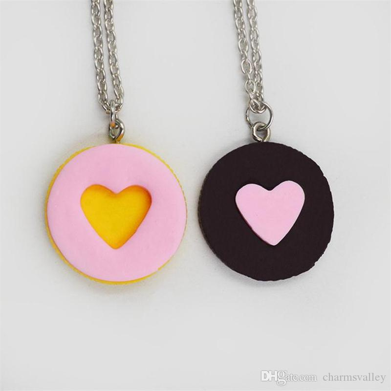 2 Unids / set Corazón enlazado Corazón Colgante Collares Niños Mejores Amigos Amante 3D Collar de Galletas de Imitación Para Los Niños Joyería