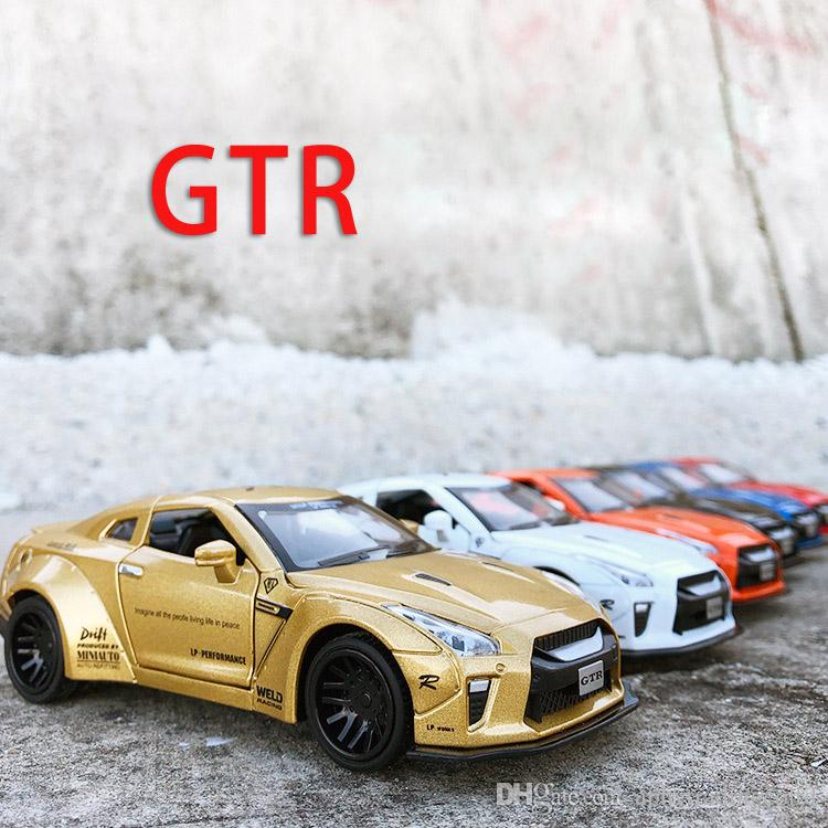 1/32 Nissan GTR Diecast Alloy Pull Back Car Toy Gift / Collection / Children