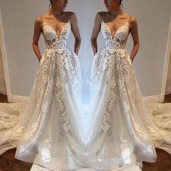 2018 Lace Appliqued Sexy Country Bröllopsklänningar Modest Spaghetti Baklösa Elegant Beach Boho Vintage Bridal Gowns Billiga Skräddarsy