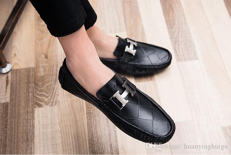 2018 hommes chaussures plates qualité hommes en cuir fendu noir solide slip-on hommes conduite extérieure hommes mocassins