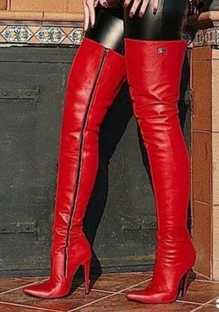 Rihana 2019 manera de las mujeres de cuero de zapatos rojos cargadores largos del invierno otoño punta estrecha sobre la rodilla botas de tacón alto Zapatos de Mujer