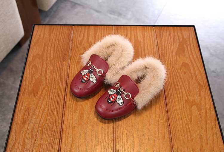 Promoção Inverno Crianças Sapatos Casuais Com Veludo Meninas Moda Abelha Bordado Design Doug Sapatos Menina Sapato Plana Para Crianças Calçado