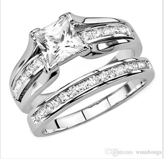 Aşık altın kaplama zirkonlar yüzük evlenmek için nişanlı