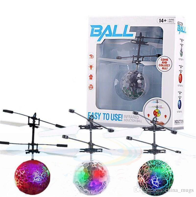Nouveau Suspension RC Avion Jouet À Distance Ball Flying UFO Ball LED Couleurs Mini Induction Suspension RC Avion Jouet À Distance