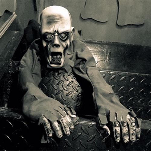 Creeper elétrico indutivo do horror da decoração de Dia das Bruxas para KTV e decoração assombrada da casa