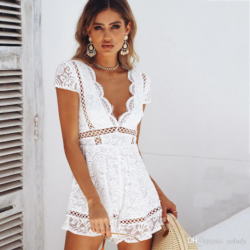 2018 Women's jumpsuit Holiday lace temperament V-neck hollow shorts