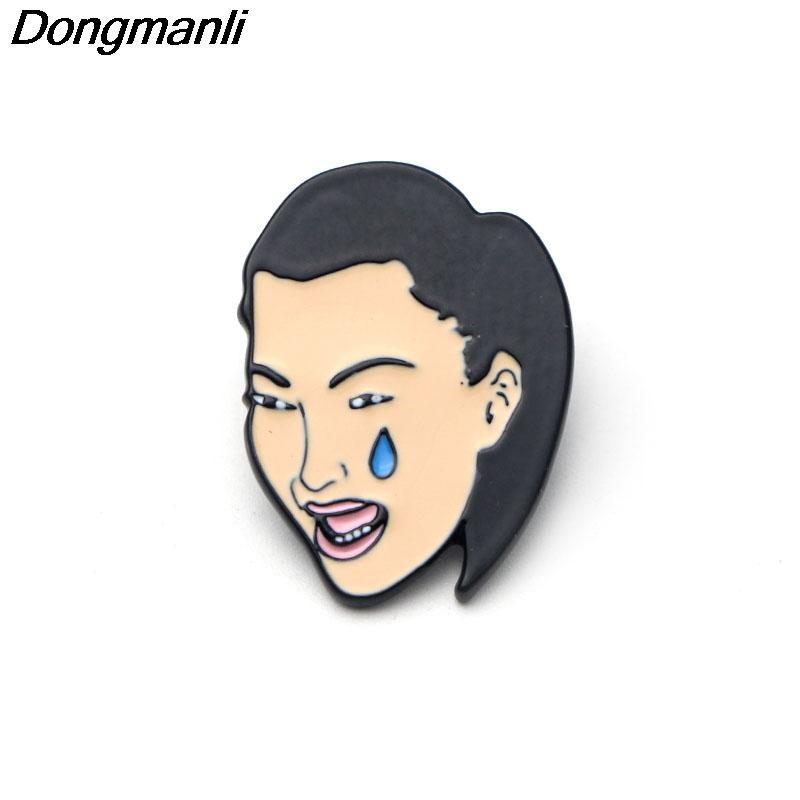 P2296 Dongmanli 20 pz / lotto all'ingrosso Kim Kardashian pianto viso spille smalto pin camicia donne spilla Borse Gioielli berretti cappello