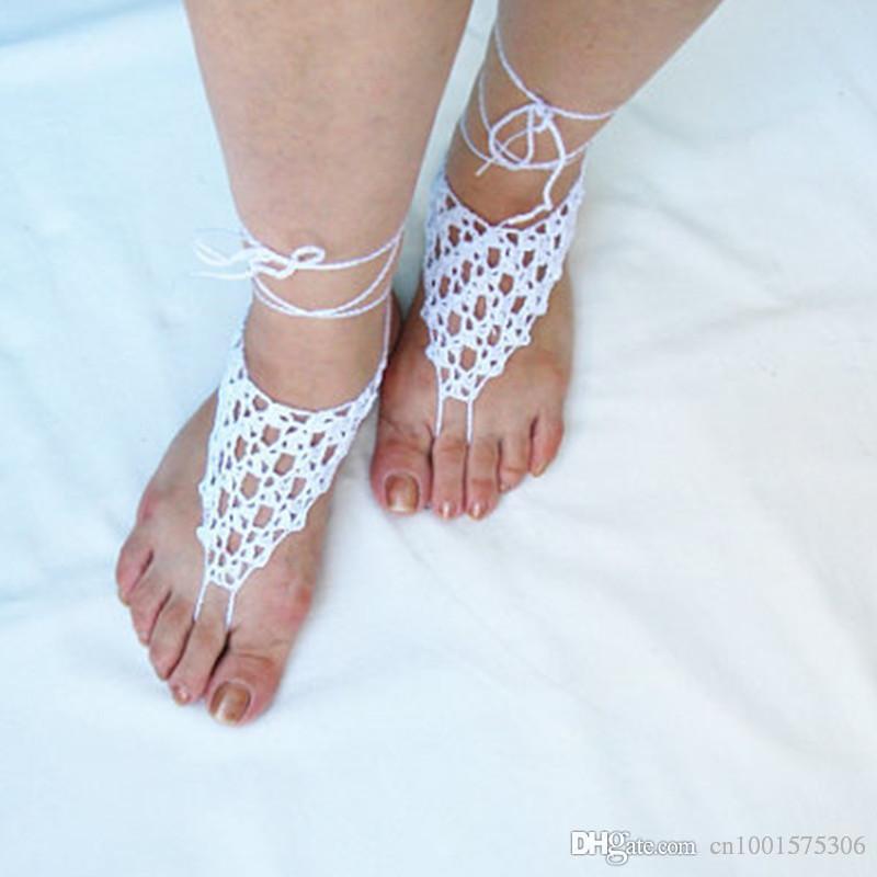 Sandalias descalzas Crochet blanco, sandalias descalzas nupciales, joyería del pie, guantes de boda, playa, favores de la ducha de la joyería de la piscina.