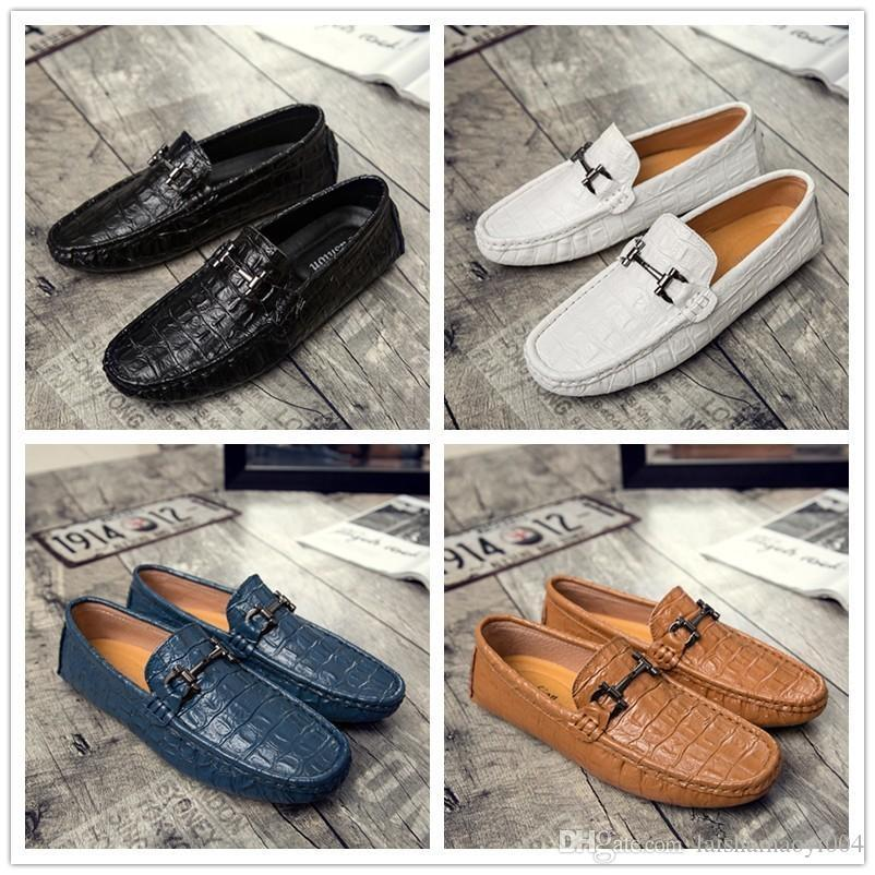 2017 Hot sales Men Dress Wedding Shoes Patent Leather Luxury Fashion Groom Party Shoes Men Oxford Shoes Male Casual Flats