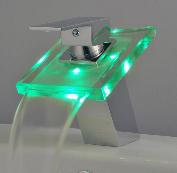 بالوعة الحمام الصمام الزجاج الحنفية ، rbg 3 ألوان ضوء شلال يد واحدة ثقب واحد ميك الحنفية / صنبور ، الكروم المصقول