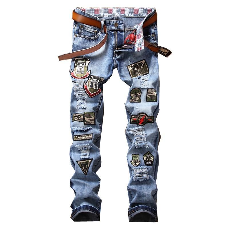 Nuevo Estilo punky de la primavera Slim Men Badge Patchwork Jeans Straight Loose Mid Waist Streetwear Hombres Pantalones largos Slim Straight Hot Sale