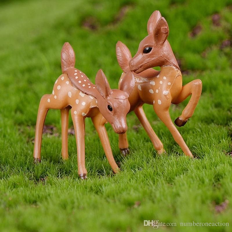 Artificiale Mini Sika Deer Giraffe Fairy Garden Mignon di Gnomi Moss Terrari Mestiere della resina Figurine della decorazione della casa di paesaggio della decorazione Micro