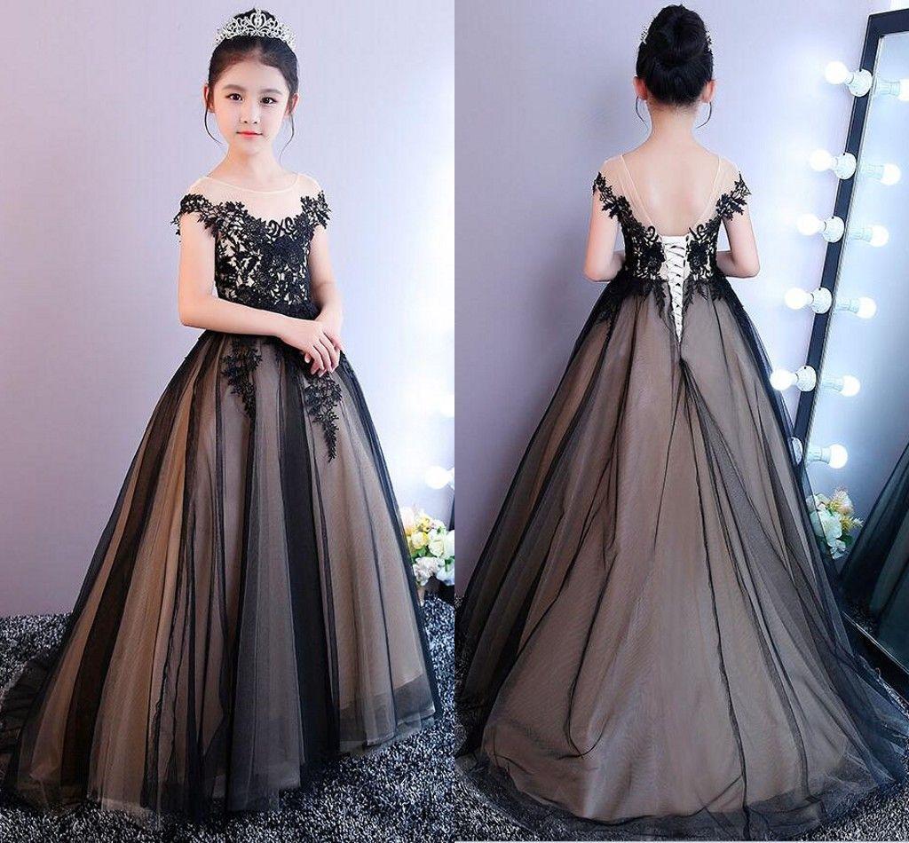 Compre Vestidos Elegantes De Color Negro Para Niñas 2018 Corsé Con Cordones Volver Apliques De Encaje Vestidos De Primera Comunión Para Niñas Vestidos
