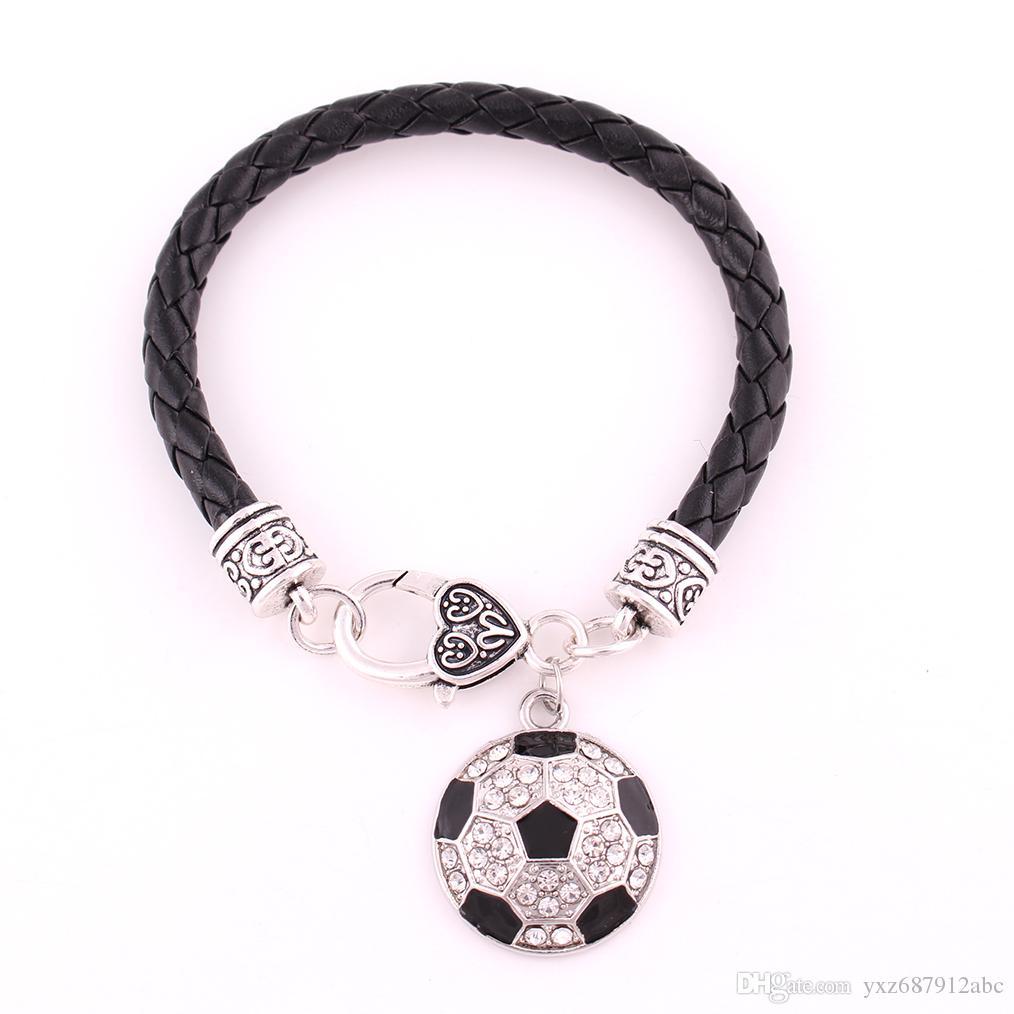 Balón de fútbol de fútbol pulsera colgante para los amantes del deporte Hermosa cristales Personalidad Cadena de cuero Aleación de zinc Proporcionar envío de la gota