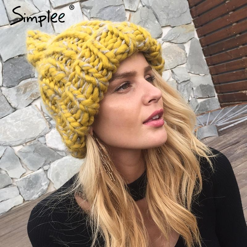 Simplee الحياكة القبعات الصوف 2017 أضاليا bobble القبعات النساء skullies بيني قبعة دافئة الخريف قبعة الشتاء قبعة الإناث Y18110503