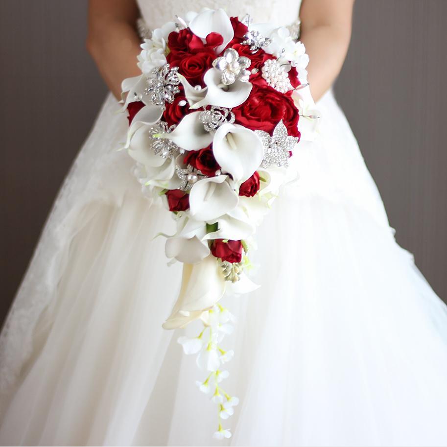 Acheter 2018 Nouvelle Cascade Rouge Blanc Fleurs De Mariage Bouquets De Mariee Perles Artificielles Cristal De Mariage Bouquets Bouquet De Mariage