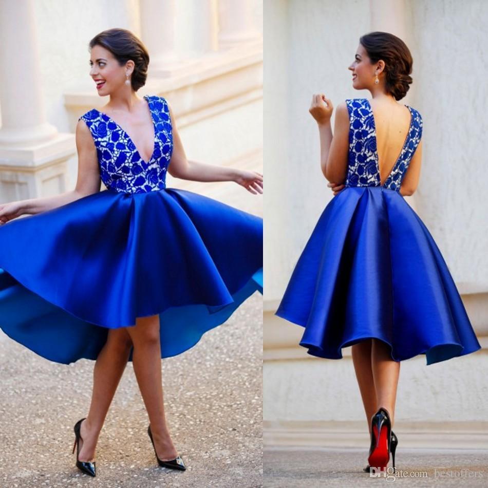 2018 New Royal Blue Plunging V 목 Backless 짧은 댄스 파티 드레스 레이스 새틴 섹시한 칵테일 동성애 드레스 Hi Lo 아랍 파티 가운 Ba06