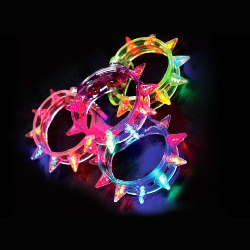 Neue Ankunft Multi Farben Nachtglühenstock blinkendes Armbandlicht haftet Festivaleinzelteile DIY geführtes Partykindspielzeug