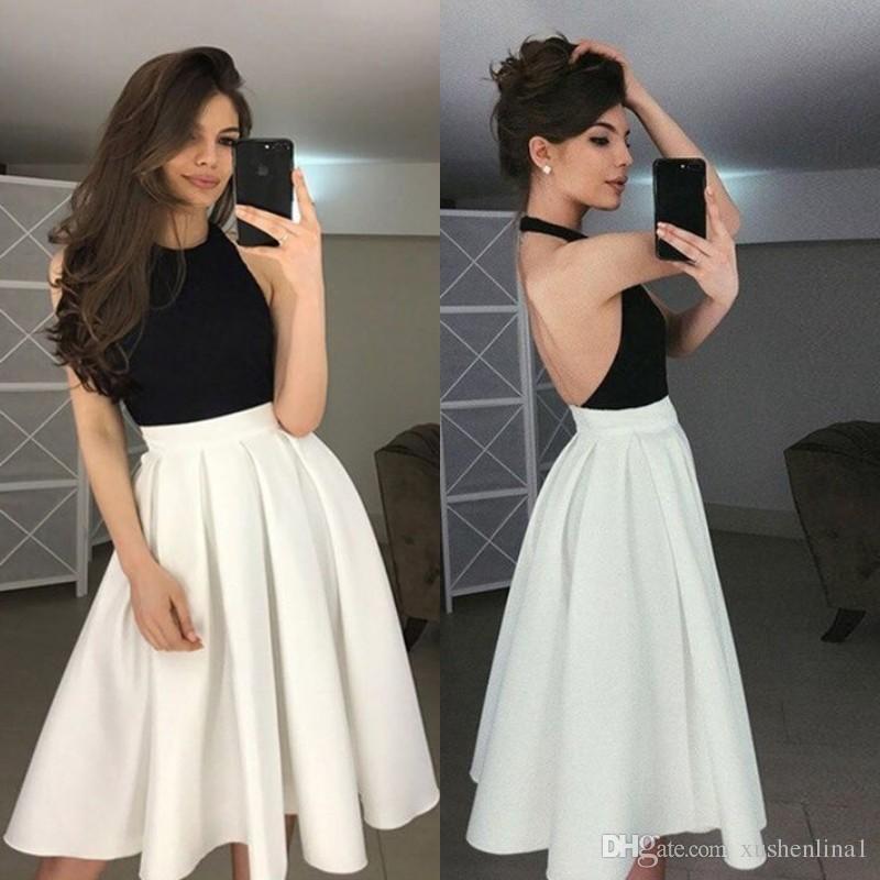 Şık Siyah Beyaz Mezuniyet Elbiseleri Seksi Halter Boyun Açık Backless Diz Boyu Parti Elbiseler Custom Made A-Line Kısa Gelinlik Modelleri